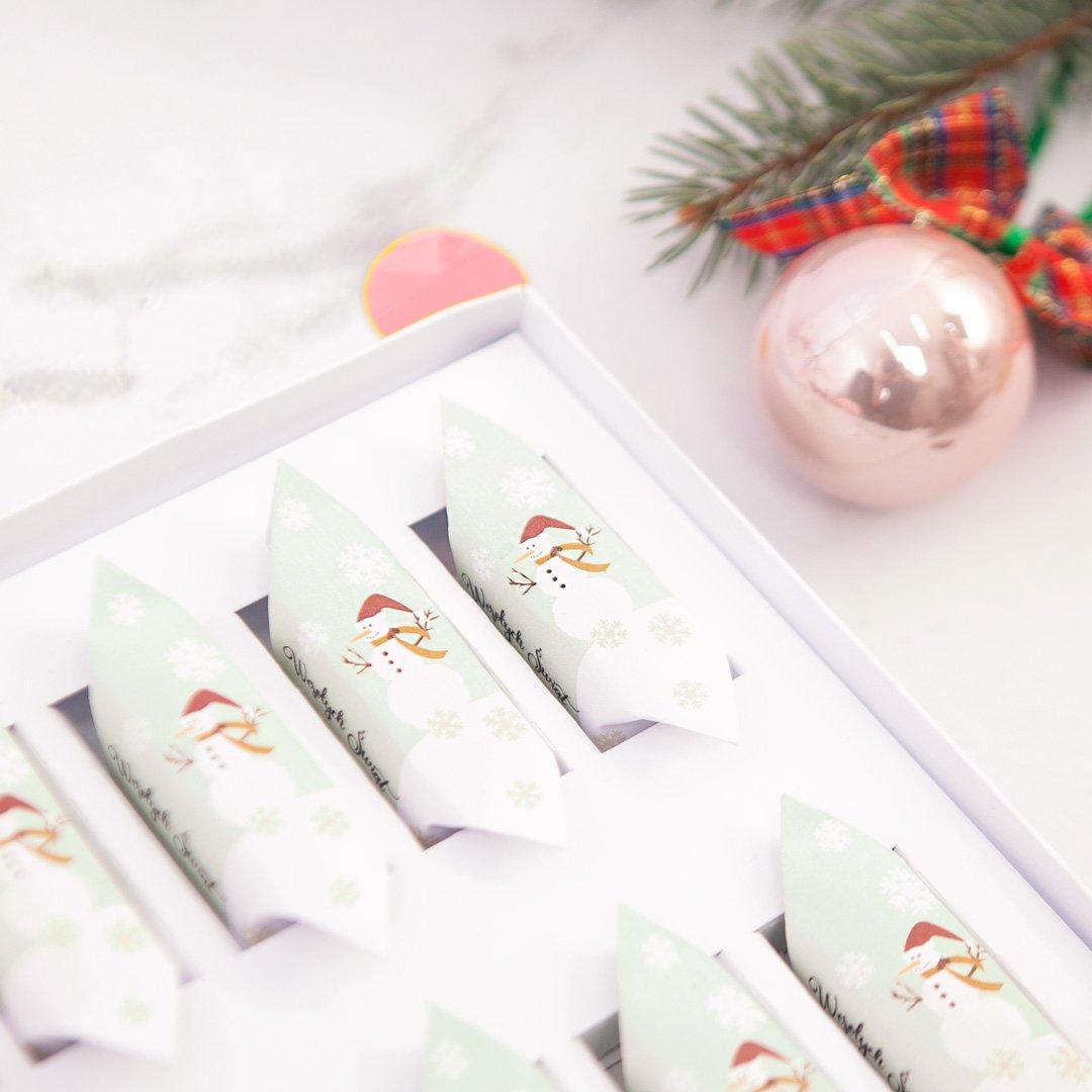 Zdjęcie w galerii - BOMBONIERKA z krówkami świąteczna Bałwanek