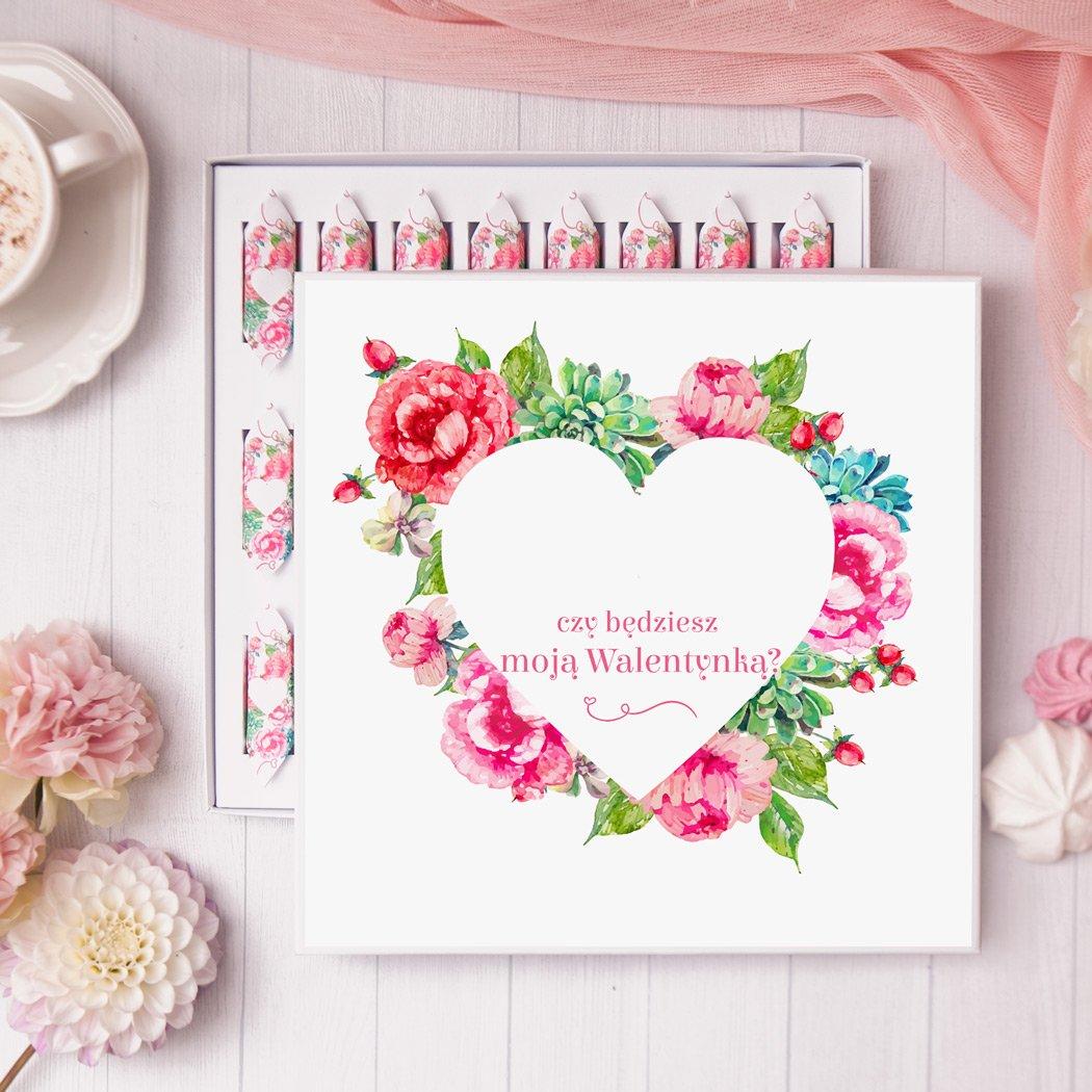 Zdjęcie slidera - BOMBONIERKA z krówkami Walentynka Pink Flowers