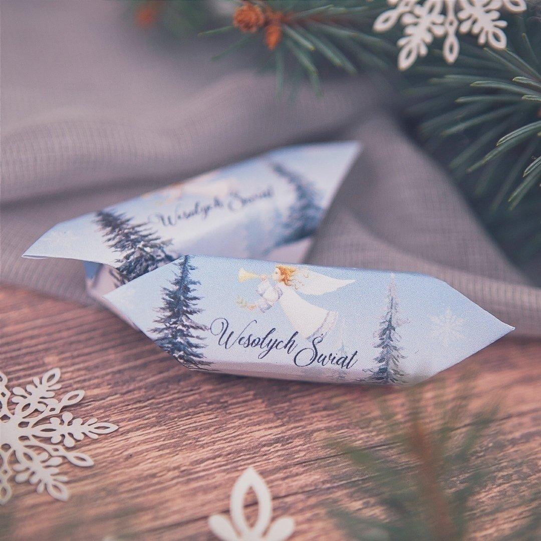 Zdjęcie w galerii - BOMBONIERKA z krówkami świąteczna Srebrna Zima