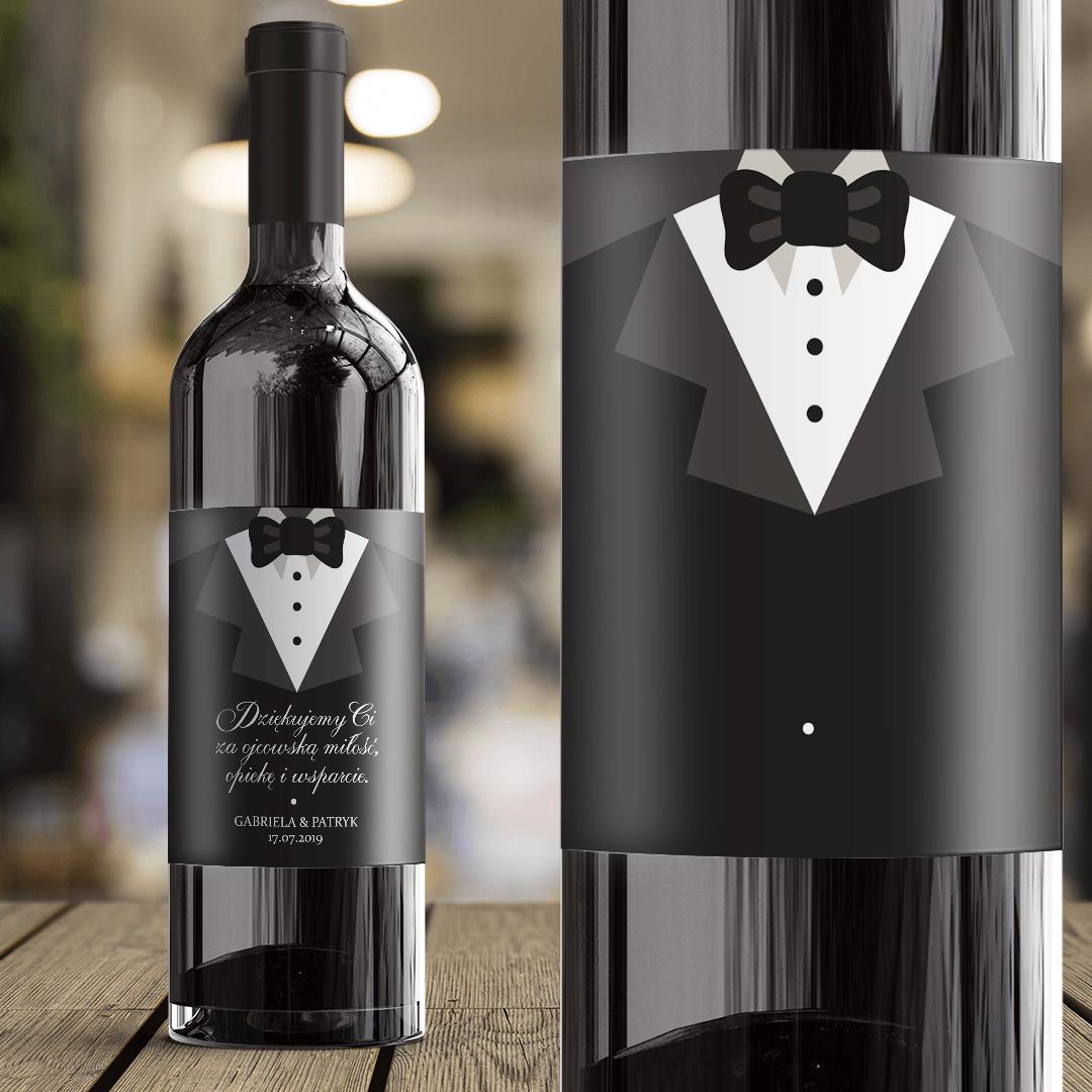 Zdjęcie slidera - ETYKIETA na Wino Prezent Dla Taty Czarny Garnitur z Imionami i z Datą