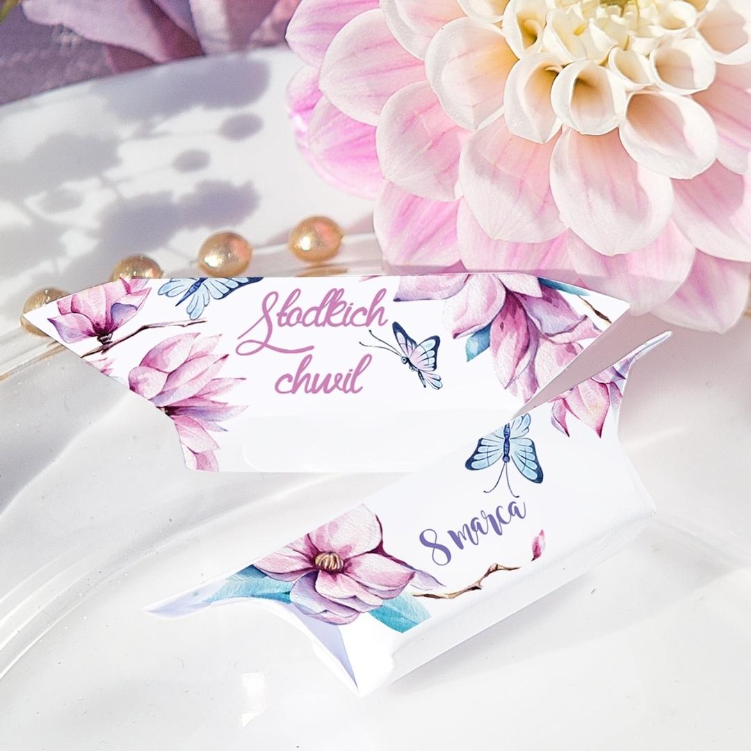 Zdjęcie slidera - KRÓWKA na Dzień Kobiet personalizowana Kwiat Magnolii