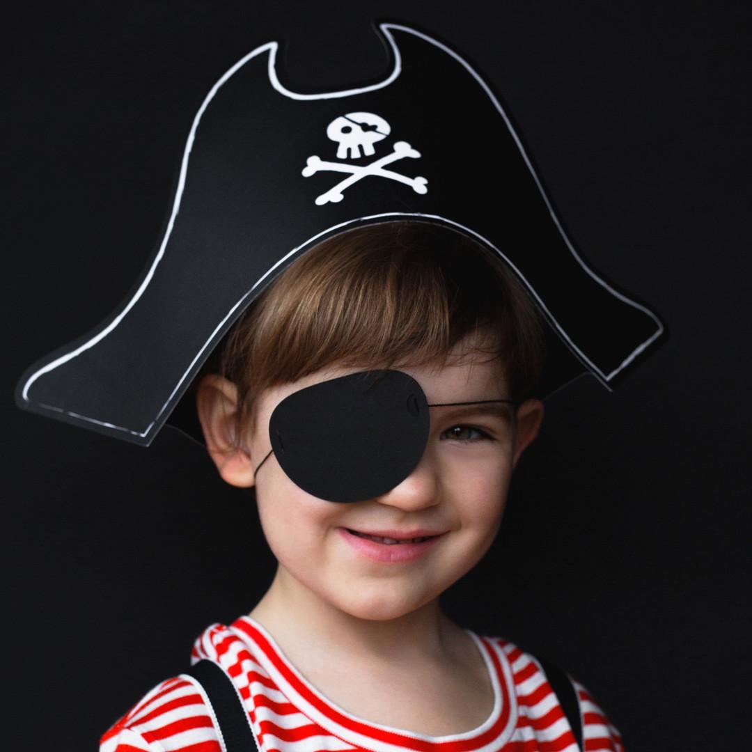 Zdjęcie w galerii - CZAPKA Pirata z opaską na oko 14cm