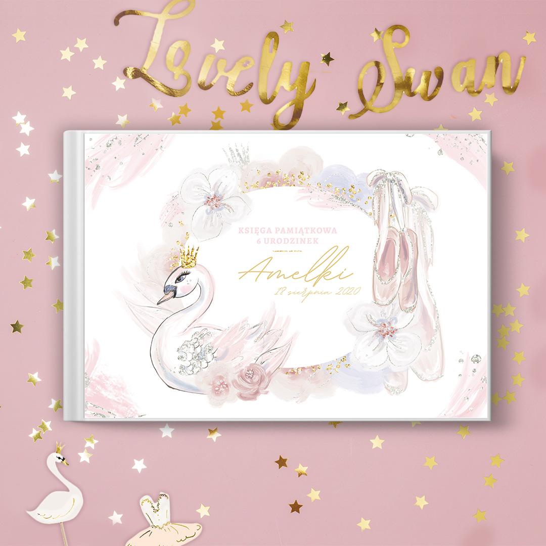 Zdjęcie w galerii - KSIĘGA pamiątkowa Urodzinek Lovely Swan PERSONALIZOWANA