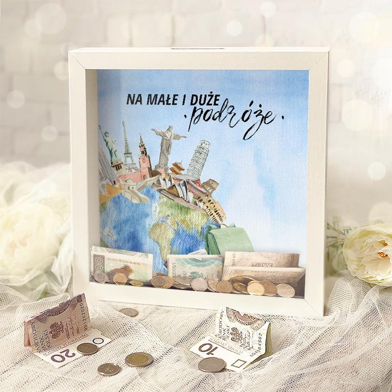 Zdjęcie w galerii - SKARBONKA ramka 3D Na Podróże Małe i Duże z personalizowanym bilecikiem