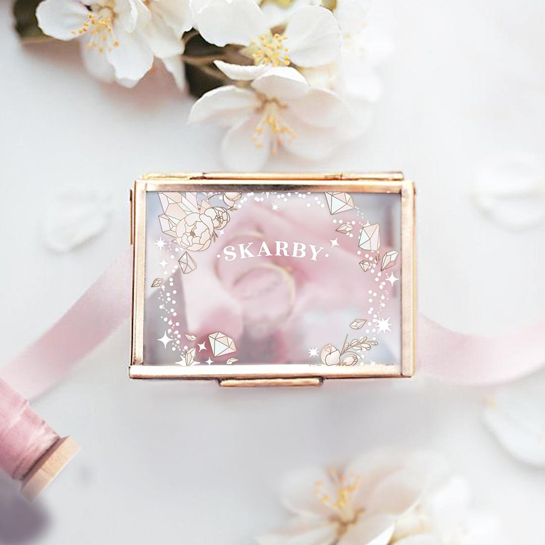 Zdjęcie slidera - SZKATUŁKA szklana na biżuterię Diamentowy Wianek PERSONALIZOWANA