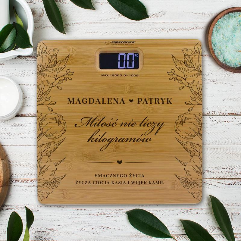 Zdjęcie w galerii - WAGA łazienkowa Bambusowa Prezent dla Młodej Pary Miłość nie liczy kilogramów PRSONALIZOWANA