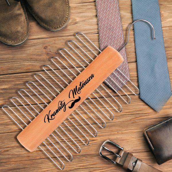 Zdjęcie w galerii - WIESZAK na Krawaty Super Gadżet dla Mężczyzny PERSONALIZOWANY