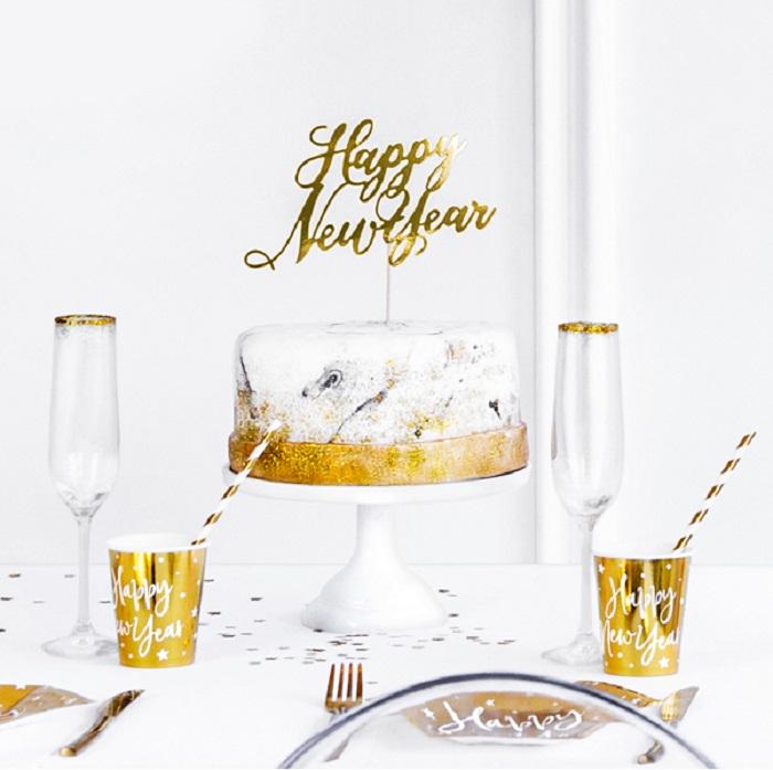 """Piękny, złoty topper na tort w formie eleganckiego napisu """"Happy New Year"""""""
