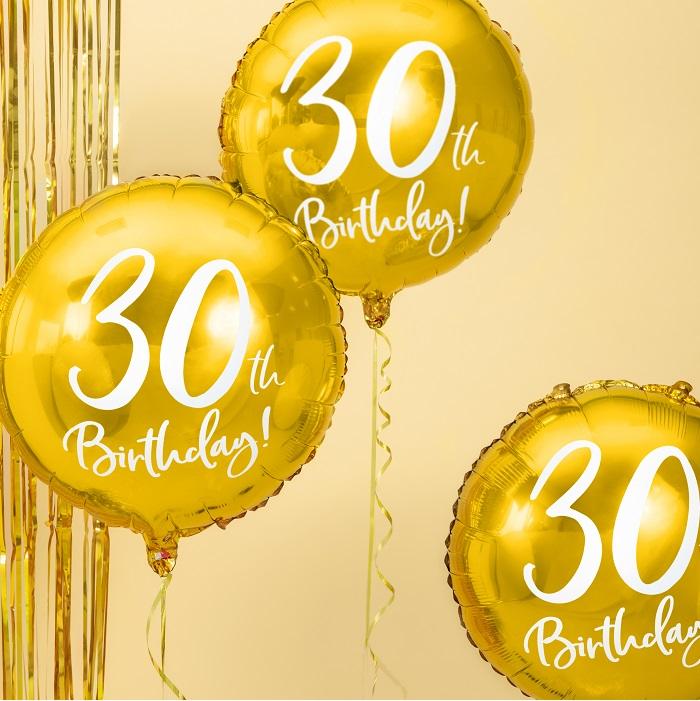 foliowy balon na 30 urodziny, metalizowany w pięknym w kolorze złotym, z białym napisem 30th Birthaday!