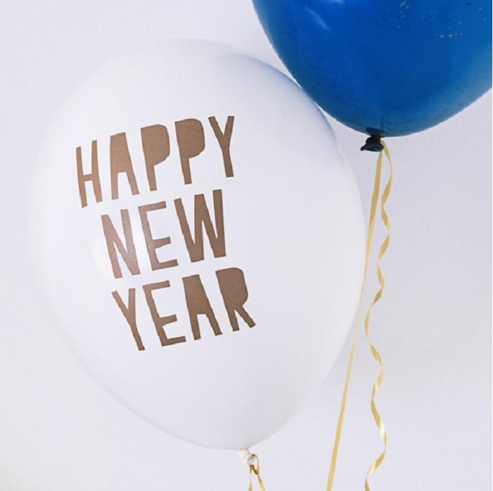 Balony Strong w kolorze Pastel Pure White, ze złotym dwustronnym nadrukiem Happy New Year