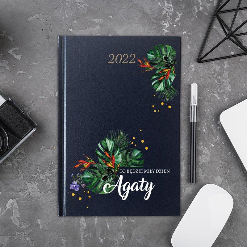 Personalizowany kalendarz na rok 2022. Wyjątkowy prezent dla kobiety.