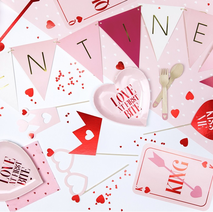 Zdjęcie w galerii - Girlanda na Walentynki Valentines – Flagietki, mix, 2,1 m