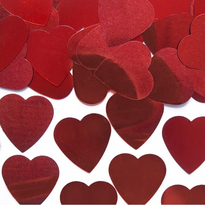 Konfetti w kolorze czerwonych, metalizowanych serc