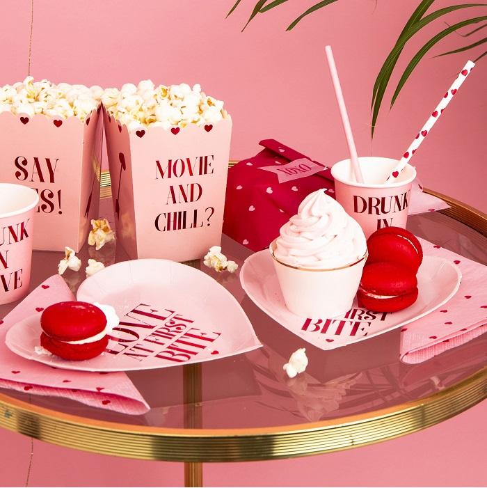 Zdjęcie w galerii - Kubeczki na Walentynki – Drunk in love, 260 ml, 6 szt