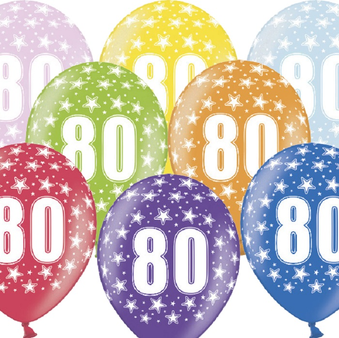 Kolorowe balony urodzinowe z nadrukiem cyfrą 80 i białymi gwiazdkami