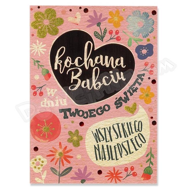 Kartka na Dzień Babci czerwone serce i kolorowe napisy na froncie. Do kartki dołączona jest żółta koperta.