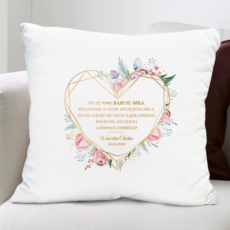 Poduszka dla babci z wierszykiem w ramce w kształcie serca i podpisem od kogo