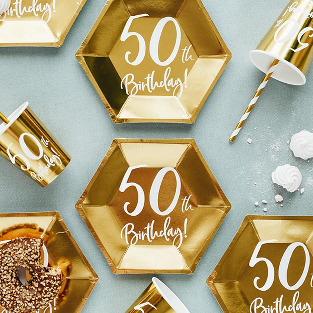 Talerzyki jednorazowe złote z białym nadrukiem 50th birthday