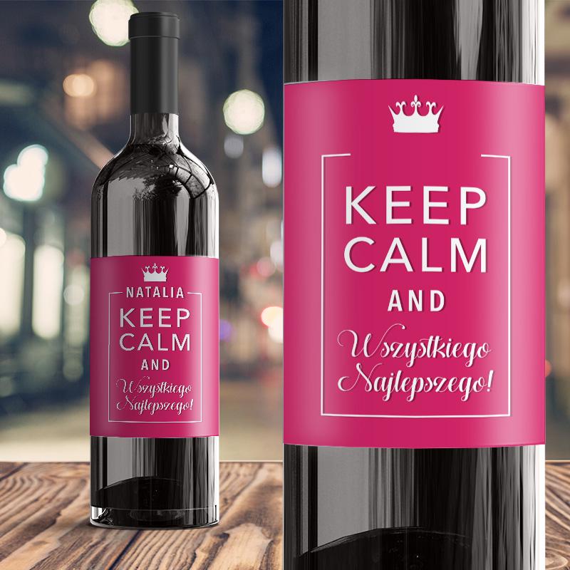 Etykieta na wino w kolorze fuksji z imieniem solenizantki na urodziny