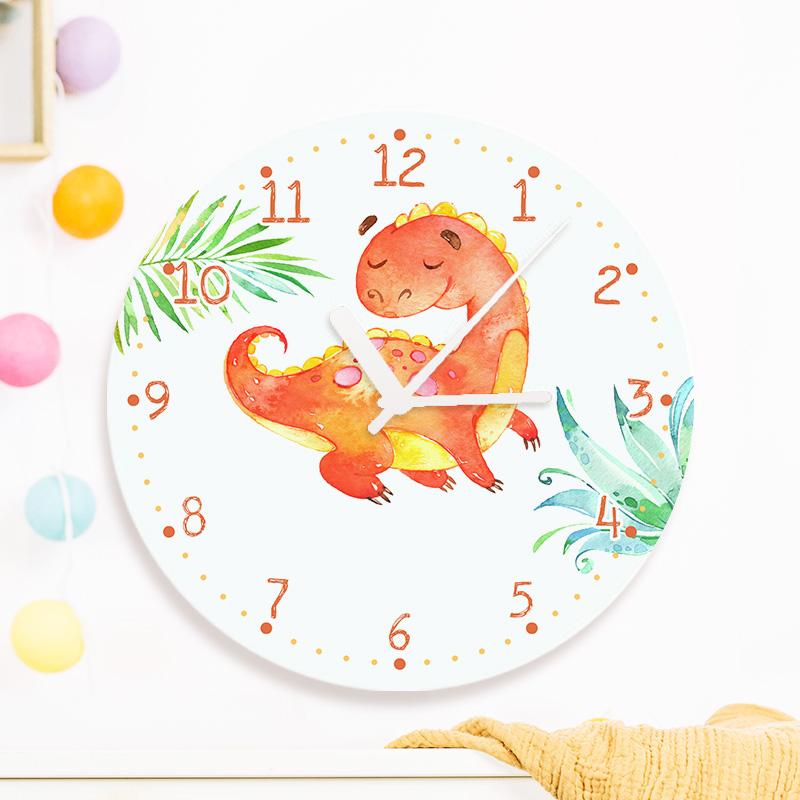 Personalizowany zegar na ścianę z nadrukiem z imieniem oraz dinozaurem