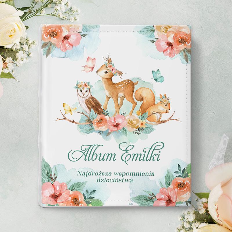 Album na zdjęcia, prezent dla dziecka na urodziny z grafiką Leśnych zwierzątek na okładce