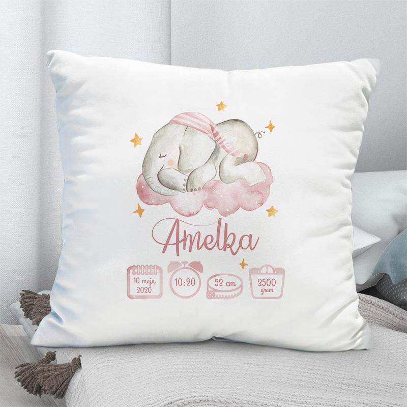 Biała poduszka personalizowanaz imieniem i metryczką dziecka, grafika różowy słonik śpiący na chmurce