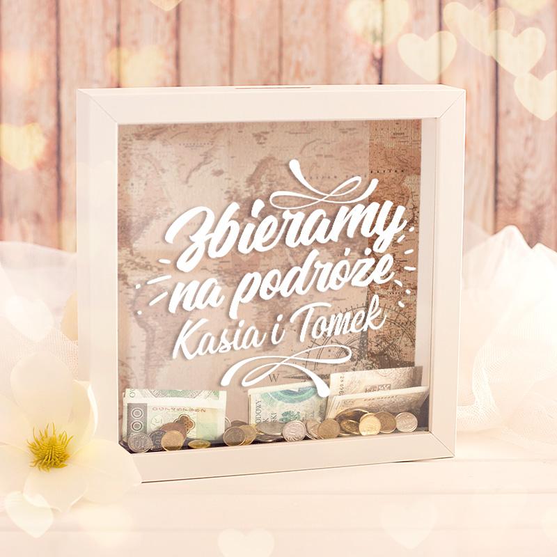 Idealny prezent dla Pary, która uwielbia podróżować i zbiera oszczędności na ten cel.