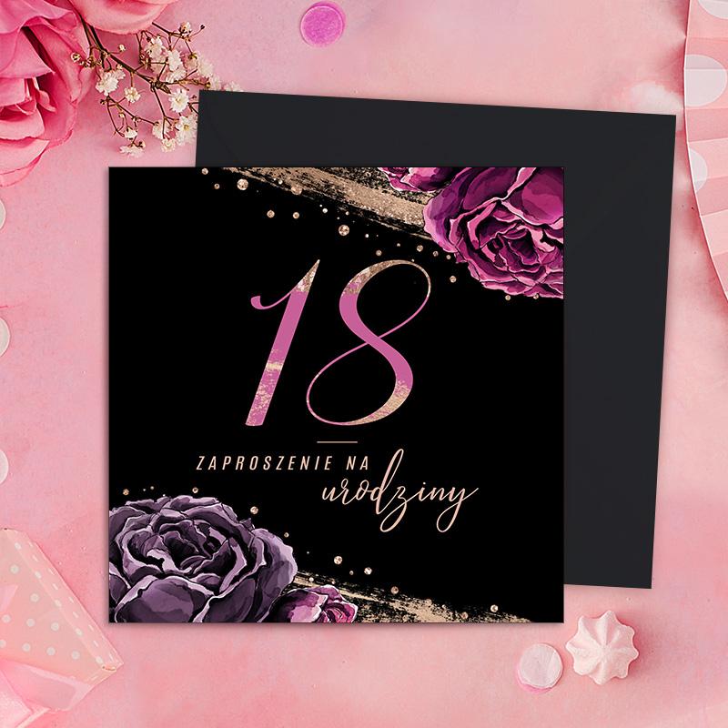 Zaproszenia na 18 urodziny z różowym napisem na czarnym tle. Zaproszenia do wypisania z czarnymi kopertami