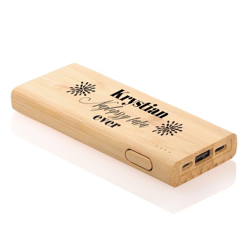 Bambusowy powerbank personalizowany, idealny prezent na Dzień Ojca z napisem Najlepszy Tata ever oraz imieniem