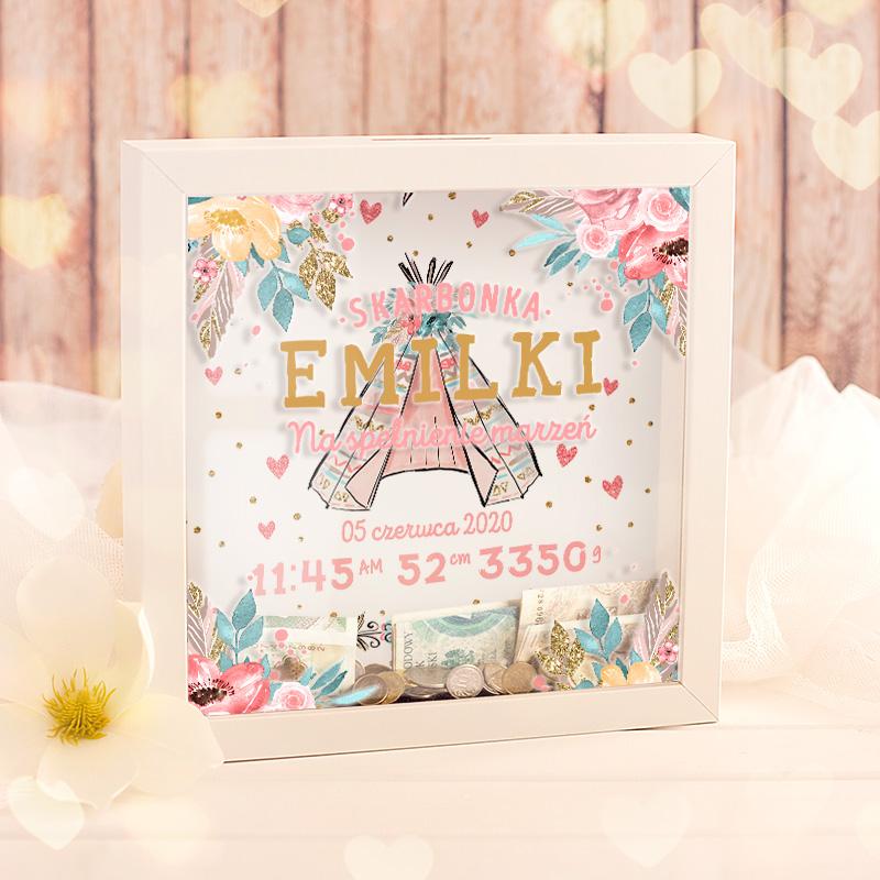 Skarbonka prezent dla dziewczynki na roczek lub urodzinki. Prezent la dziecka z różową grafiką i imieniem.