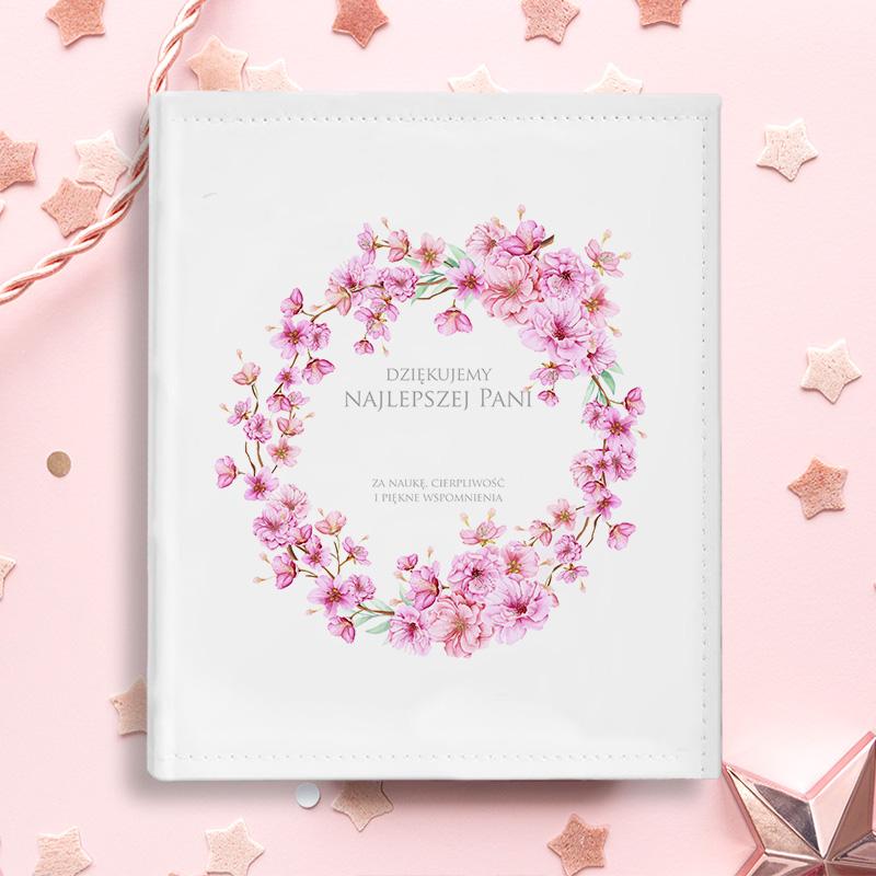 ALBUM Podziękowania dla Nauczycielki KWIATY do personalizacji z motywem kwiatowego wianka w kolorze różowym