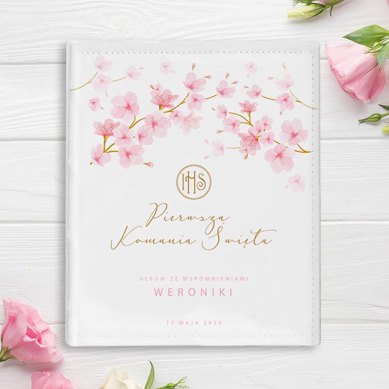 Piękny, prostokątny album w sztywnej, śnieżnobiałej oprawie z ekoskóry, idealna Pamiątka Pierwszej Komunii Świętej, grafika Różowe Magnolie