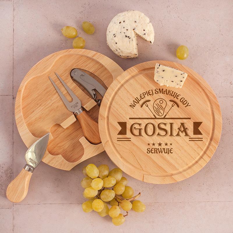 Zestaw do serwowania serów: deska + otwieracz + sztućce do sera: nóż i widelec, prezent dla Kobiety personalizowany Najlepiej smakuje