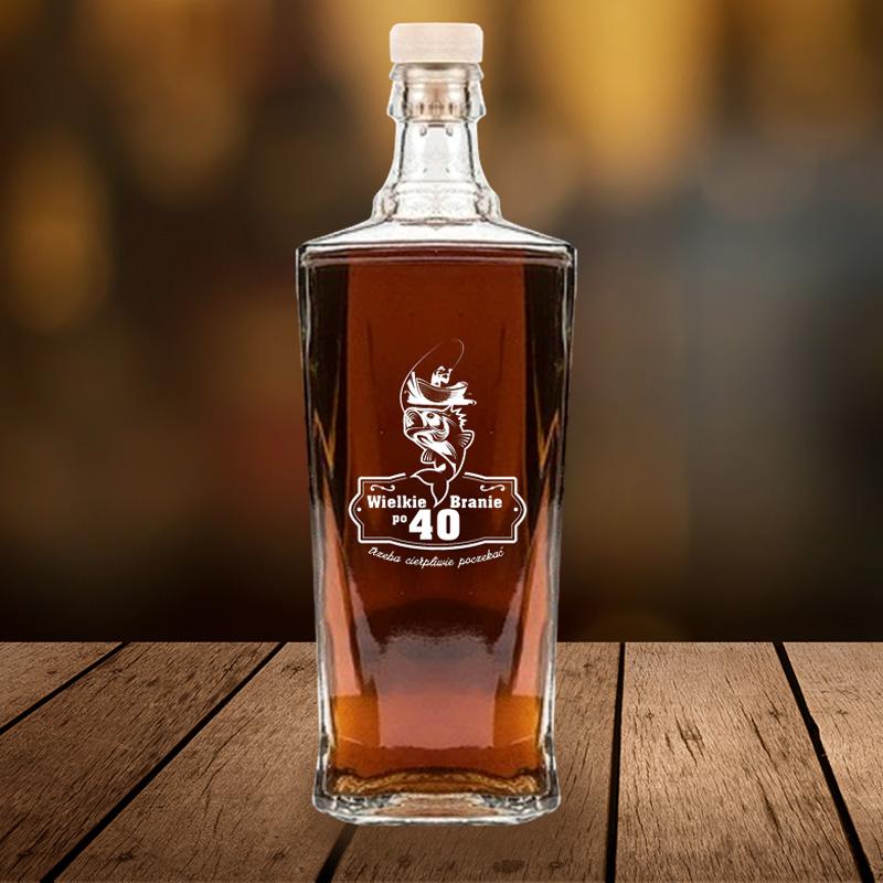 Zdjęcie w galerii - KARAFKA na Alkohol Prezent dla Wędkarza Wielkie Branie PERSONALIZOWANA 700ml