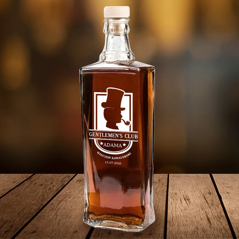 Szklana butelka na bimber czy nalewkę z napisem na wieczór kawalerski.