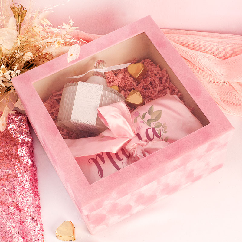 Zdjęcie w galerii - ZESTAW Prezent Dla Mamy w Różowym Pudełku Szlafrok i Świeca