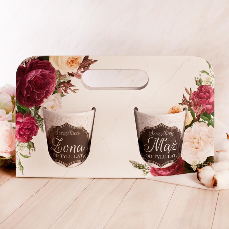Zestaw prezentowy w postaci kubków, prezent na rocznicę ślubu