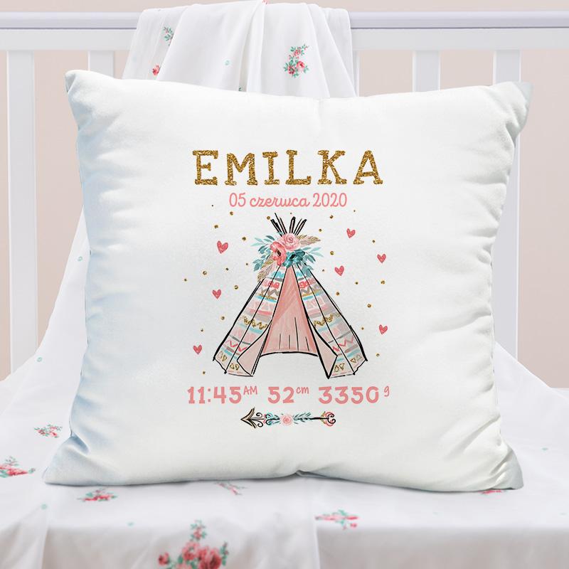 Miękka poduszka z personalizowaną poszewką idealnie sprawdzi się jako prezent dla dziecka.