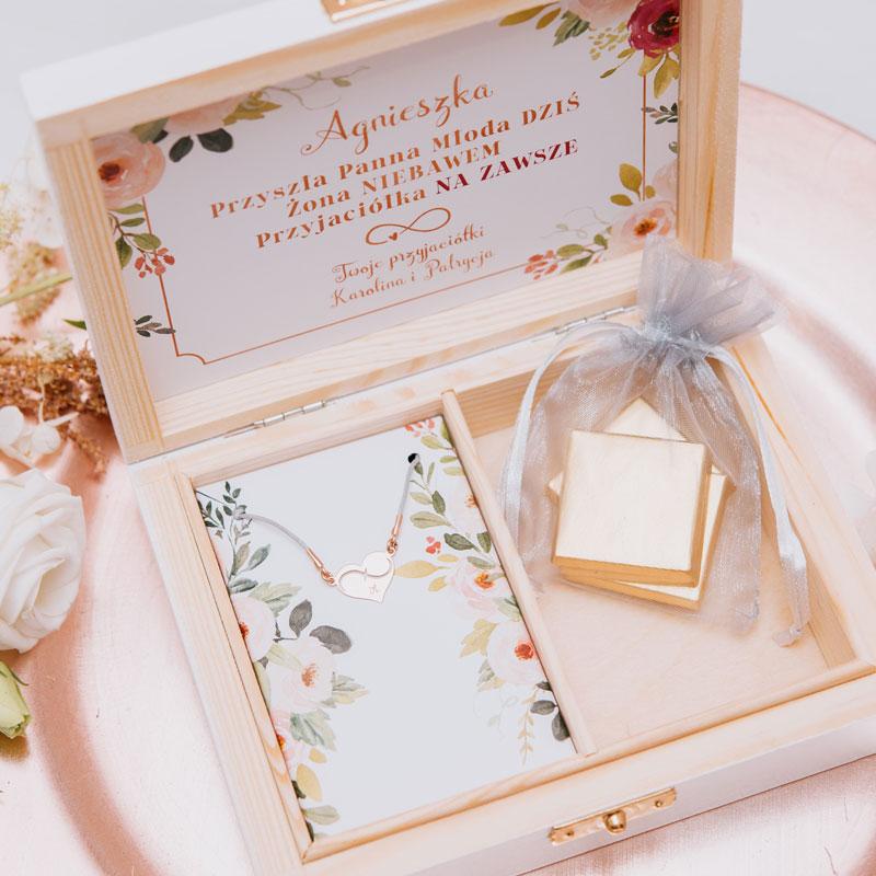 Zdjęcie w galerii - PREZENT dla Panny Młodej w Drewnianym Pudełku BRANSOLETKA Różowe Złoto z Grawerem Subtelne Kwiaty
