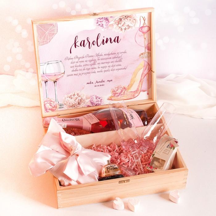 Zestaw prezentowy w różowej kolorystyce, prezent na Wieczór Panieński.