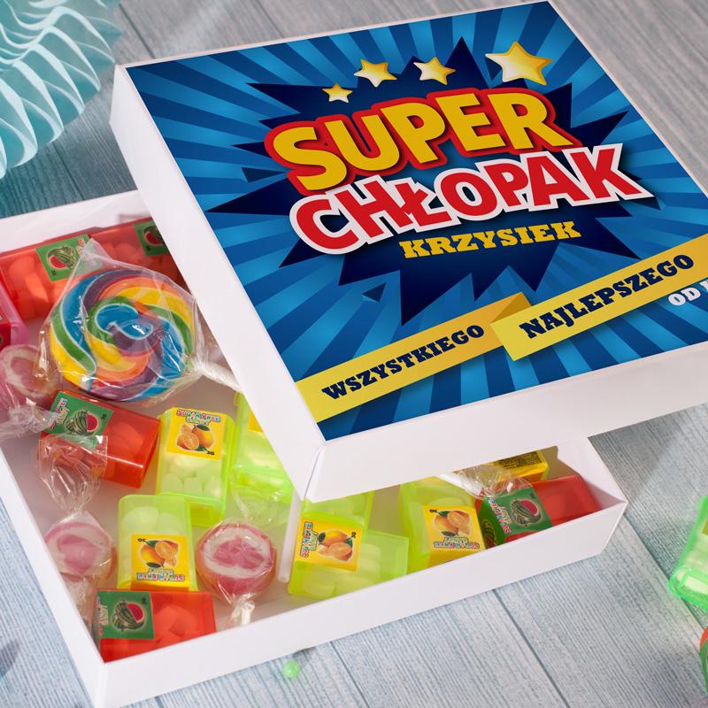 Zdjęcie w galerii - PUDEŁKO ze Słodyczami Prezent Na Dzień Chłopaka Wystrzałowy