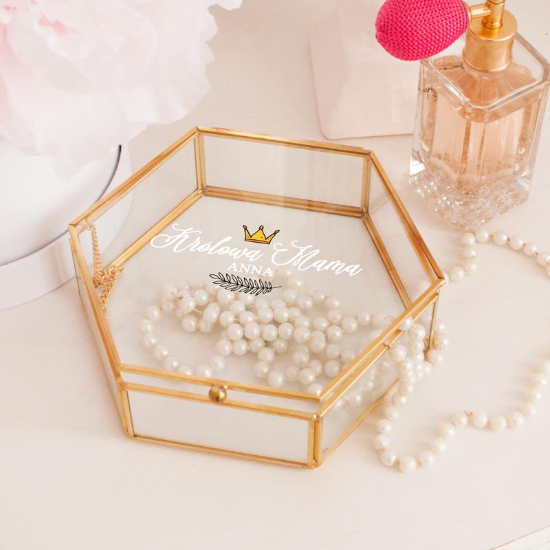 Personalizowana szkatułka to idealny prezent dla Królowej Mamy!