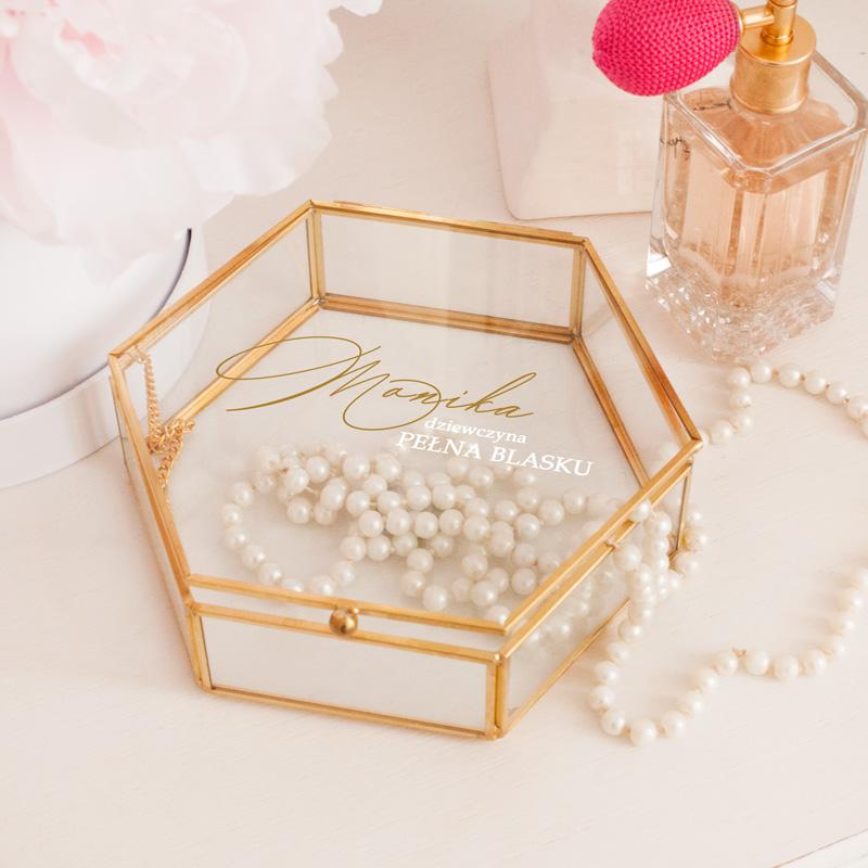 Szklana szkatułka, ze złotymi brzegami na biżuterię z nadrukiem Dziewczyna pełna blasku+ imię