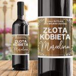 Elegancka etykieta na wino w prezencie dla kobiety