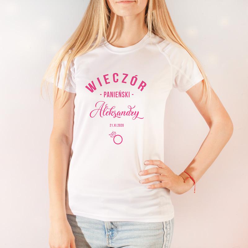 Personalizowana koszulka na Wieczór Panieński dla przyszłej Panny Młodej. Idealny gadżet do pamiątkowych zdjęć z uroczystości.,