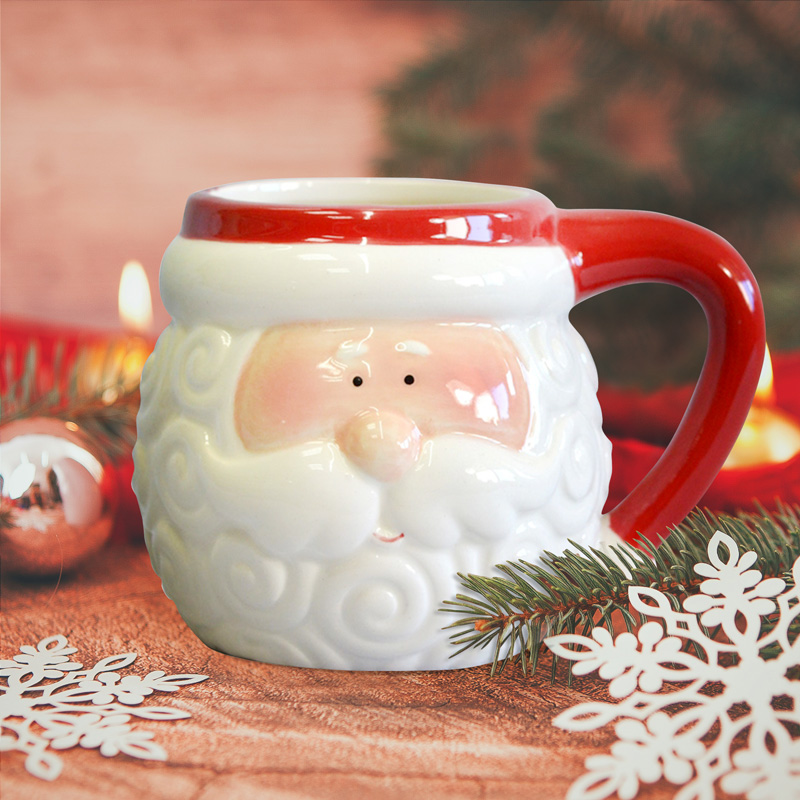 Kubek świąteczny w postaci baryłki ze Świętym Mikołajem. Idealny upominek na Święta Bożego Narodzenia.