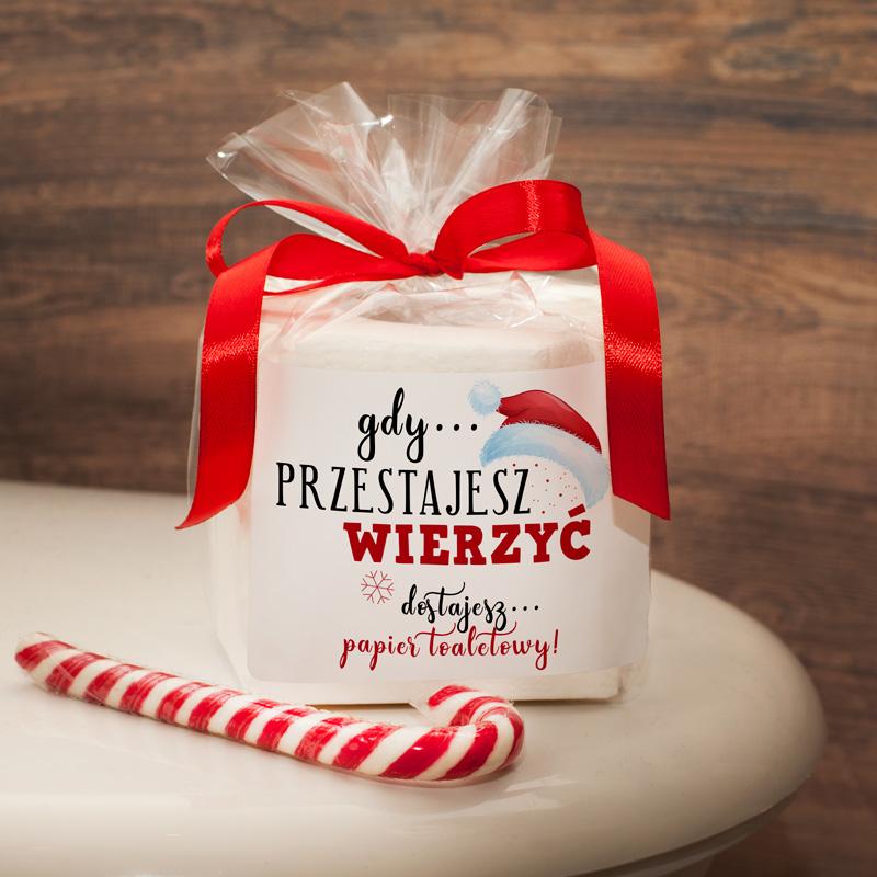 Papier toaletowy w ozdobnym opakowaniu to pomysłowy i oryginalny prezent świąteczny.