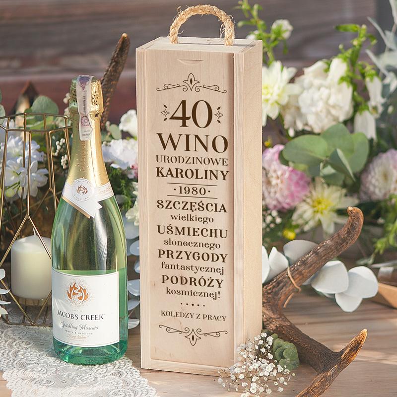 Personalizowana skrzynia na alkohol to idealny prezent na urodziny.