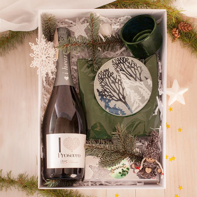 Świąteczny zestaw prezentowy w biało-zielonej kolorystyce to piękny prezent na Święta Bożego Narodzenia.