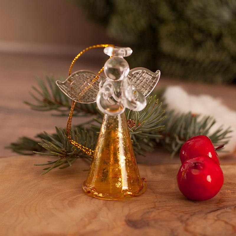 Aniołek szklany, zawieszka dwukolorowa ze złotym sznureczkiem.